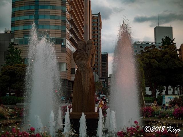E6032963_CameraRAW_2048_signed.jpg