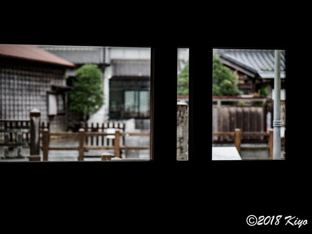 E9156119_CameraRAW_2048_signed.jpg